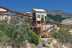 Oude ontmantelde ijzermijn in Sardinige Stock Fotografie