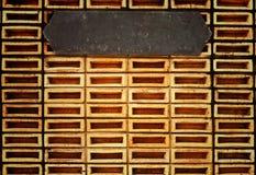 Oude oranje bakstenen muur Royalty-vrije Stock Afbeeldingen
