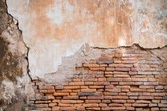 Oude oranje bakstenen muur in antiquiteit royalty-vrije stock afbeeldingen