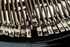 Oude, oude schrijfmachine Stock Afbeeldingen