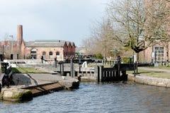 Oude Pakhuizen en het Kanaal royalty-vrije stock foto's