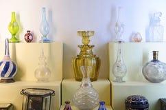 Oude parfumflessen, Kelkar-Museum, Pune, Maharashtra, India royalty-vrije stock afbeeldingen