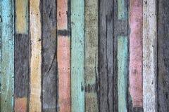 Oude pastelkleurplank in verticale lijn voor achtergrond Stock Fotografie