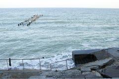 Oude pijler in de Zwarte Zee Stock Afbeeldingen