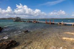 Oude pijler - Meningen rond Curacao Caraïbisch eiland stock fotografie