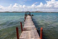 Oude pijler - Meningen rond Curacao Caraïbisch eiland stock afbeeldingen