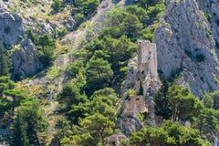 Oude piraatvesting in Omis, Kroatië stock fotografie