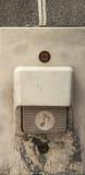 Oude plastic deurklok stock afbeelding