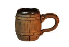 Oude poetsmiddel houten mok voor bier Stock Afbeeldingen