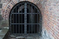 Oude poort aan de oude stad Stock Afbeelding