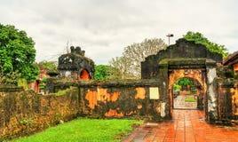 Oude poort bij de Verboden Stad in Tint, Vietnam royalty-vrije stock foto