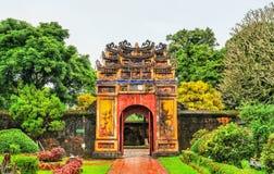 Oude poort bij de Verboden Stad in Tint, Vietnam royalty-vrije stock fotografie