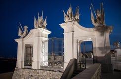 Oude poort dichtbij het kasteel van Bratislava, Slowakije Royalty-vrije Stock Fotografie