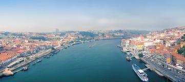 Oude Porto stad en Ribeira over Douro-rivier van Vila Nova de Gaia, Portugal Royalty-vrije Stock Afbeelding