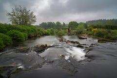 Oude Postbridge in het Nationale Park van Dartmoor royalty-vrije stock afbeeldingen
