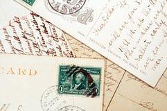 Oude prentbriefkaaren met manuscript het schrijven Stock Afbeelding