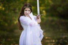 Oude Prinses met zwaard stock foto's