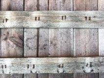 Oude raad met roestige spijkers royalty-vrije stock afbeelding