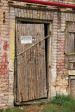 Oude rachitische deur stock foto's