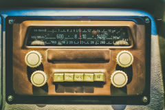 Oude radio in retro bus Stock Afbeelding