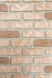 Oude regelmatig ingelegde bakstenen muur stock fotografie