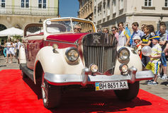 Oude retro auto Royalty-vrije Stock Afbeelding