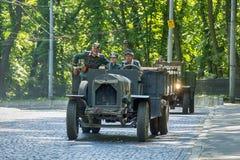 Oude retro auto VOLVO die AMAZONIË 121 participatie in rasleeuw nemen Royalty-vrije Stock Foto's