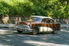 Oude retro auto VOLVO die AMAZONIË 121 participatie in rasleeuw nemen Royalty-vrije Stock Afbeelding