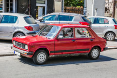 Oude Rode Auto royalty-vrije stock afbeeldingen