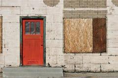 Oude rode deur Royalty-vrije Stock Afbeeldingen