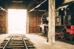 Oude rode en zwarte locomotief in België Royalty-vrije Stock Foto's