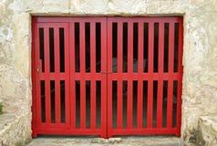 Oude rode houten deur Stock Afbeelding