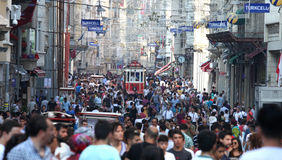 Oude Rode Tram op Istiklal-Straat stock foto's