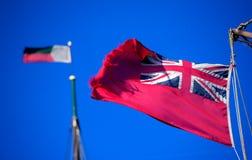 Oude rode Vlag, mariene vlag Briitish, in een stijve wind Royalty-vrije Stock Foto's