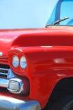Oude Rode Vrachtwagen Stock Afbeeldingen