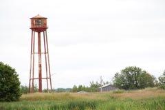 Oude rode waterbal op het gebied Royalty-vrije Stock Fotografie