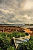 Oude roeiboot, Schotse hooglanden Royalty-vrije Stock Foto's