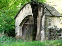 Oude Roemeense traditionele poort royalty-vrije stock fotografie