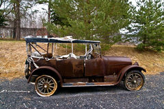 Oude Roestige Auto Royalty-vrije Stock Fotografie