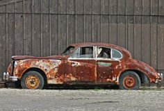 Oude Roestige Auto Royalty-vrije Stock Foto's
