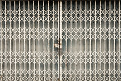 Oude roestige deur dicht in huis in Thailand Royalty-vrije Stock Fotografie
