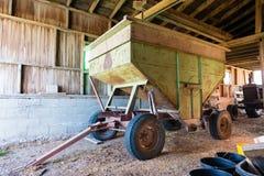 Oude roestige grian wagen Royalty-vrije Stock Foto