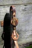 Oude roestige klink aan kant van wagen royalty-vrije stock foto