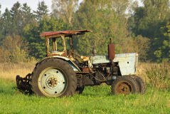 Oude Roestige Tractor Stock Foto