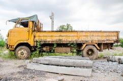 Oude Roestige Vrachtwagen Royalty-vrije Stock Afbeeldingen