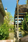 Oude roestige watermill. stock afbeeldingen