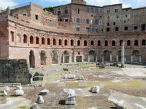 Oude Roman Forum-ruïnes in Rome Stock Afbeeldingen
