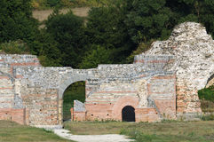 Oude Roman plaats Felix Romuliana stock foto