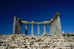 Oude Roman tempel in Evora stock afbeeldingen