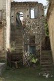Oude Roscigno, Cilento (IT) Werven van huizen waarin 20 jaar niet wordt gewoond in Stock Afbeeldingen